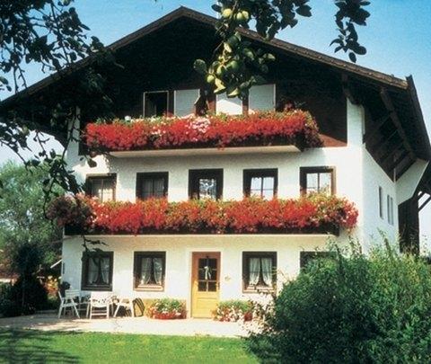 Gästehaus & Ferienwohnungen Wirnshofer